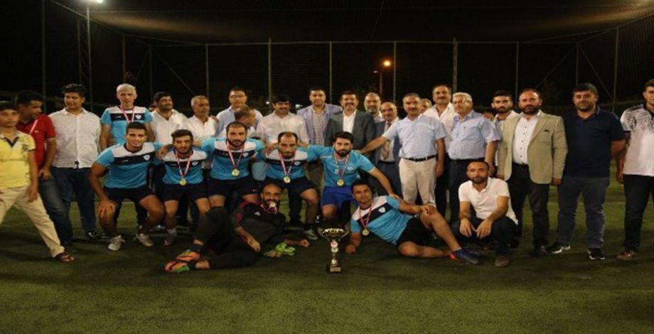15 Temmuz futbol turnuvasının şampiyonu Eyyübiye Belediyespor oldu