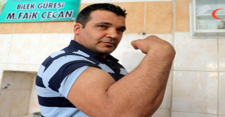 30 Yıllık Urfalı fırıncı, bilek güreşi şampiyonluğuna koşuyor