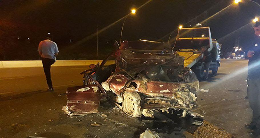 3 kişi yanan araçta can verdi