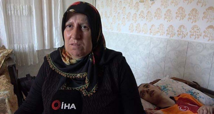 42 yıldır yaşamını 4 engelli çocuğuna adayan anne