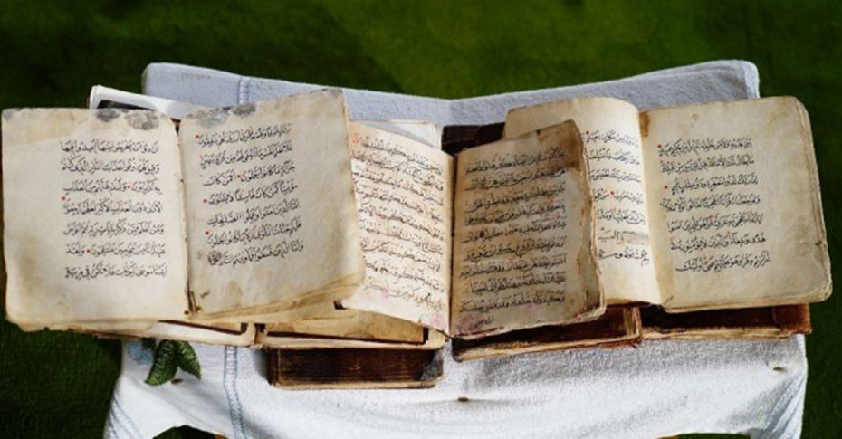 700 yıllık el yazması Kur'an-ı Kerim'ler büyük ilgi görüyor