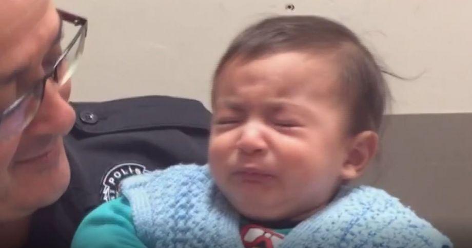 8 aylık bebeği sokağa attılar