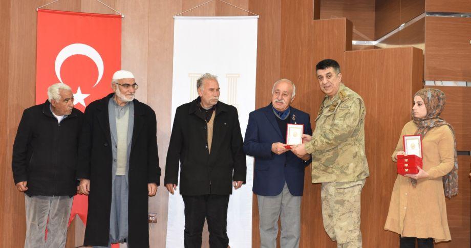 Şanlıurfa'daki Kıbrıs Gazilerine Milli Mücadele Madalyası Verildi