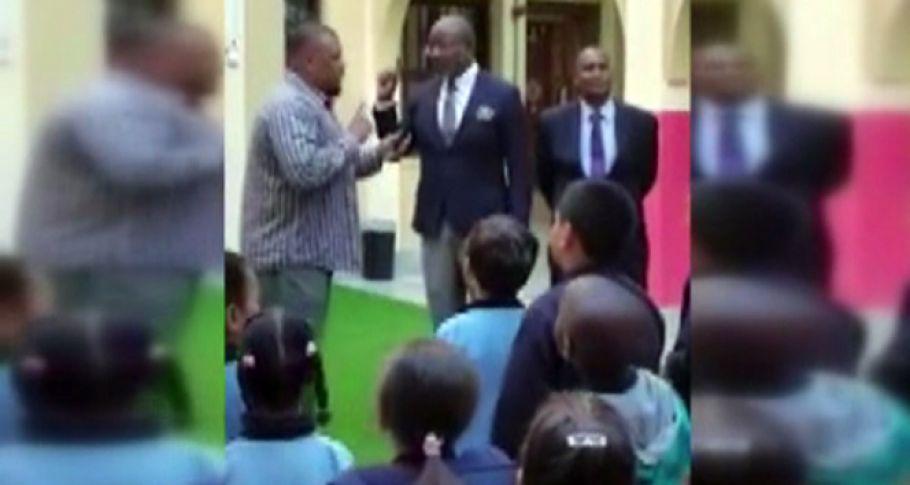 ABD'li okul müdürü öğrencilerinin önünde Müslüman oldu