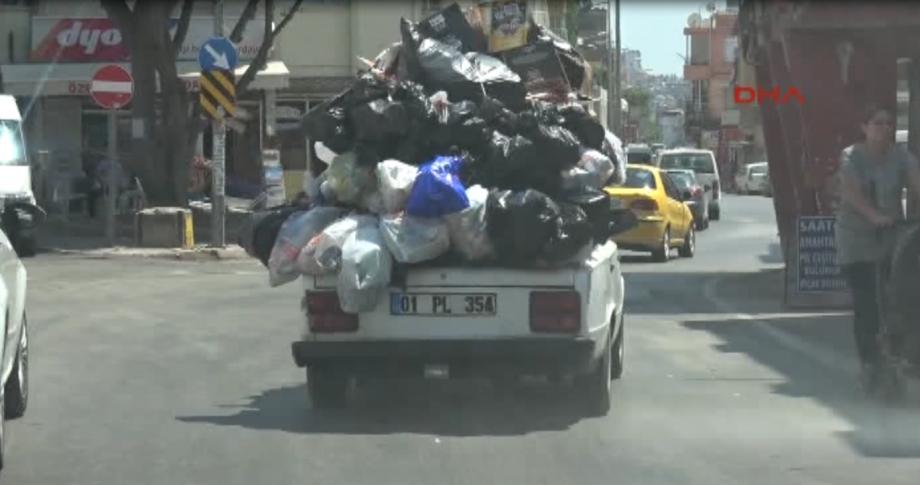 Adana'da çöp otomobil