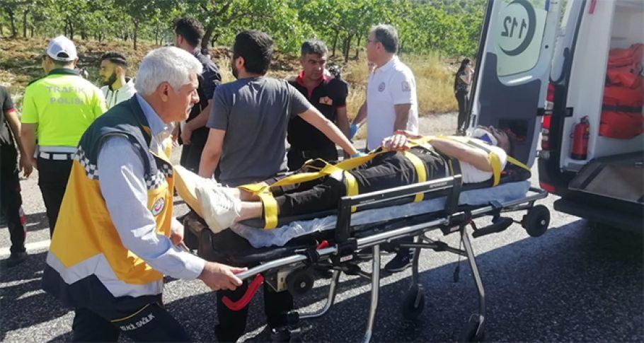Adıyaman'da öğrencileri taşıyan minibüs takla attı: 12 yaralı