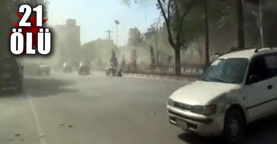 Afganistan'da çifte patlama!