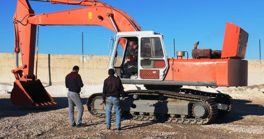 Akçakale Belediyesine Yeni İş Makinesi