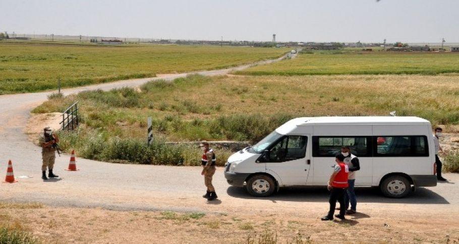 Akçakale'de Bayram tatili için geldiği köyü karantinaya alındı
