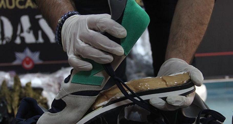 Ayakkabı tabanında kokain sevkiyatı polise takıldı