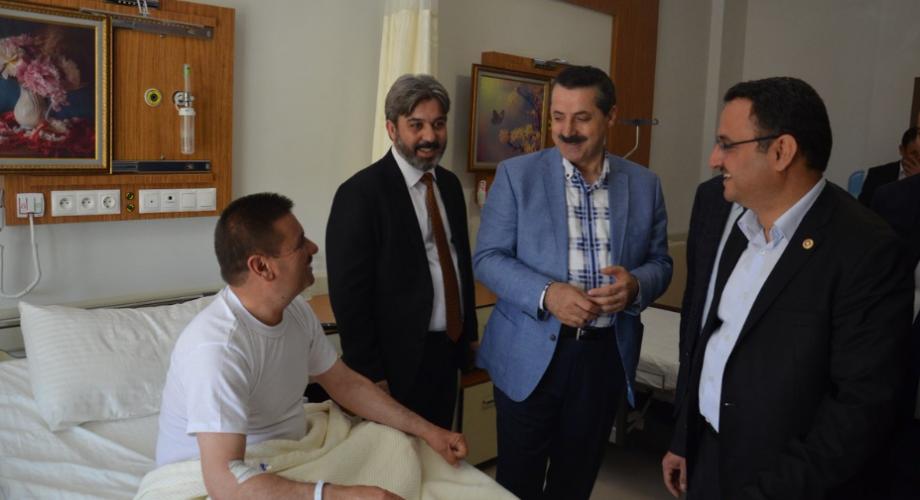 Bakan Çelik'ten hastane ve taziye ziyaretleri