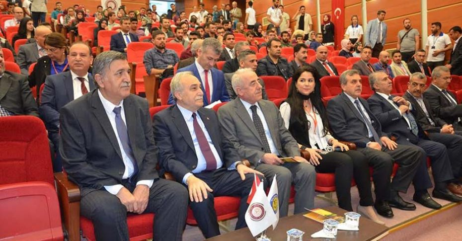 Bakan Fakıbaba HRÜ'de Sempozyuma katıldı