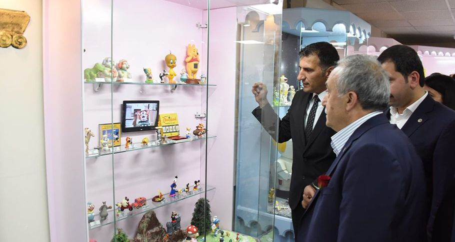 Bakan Fakıbaba Oyun ve Oyuncak Müzesini gezdi