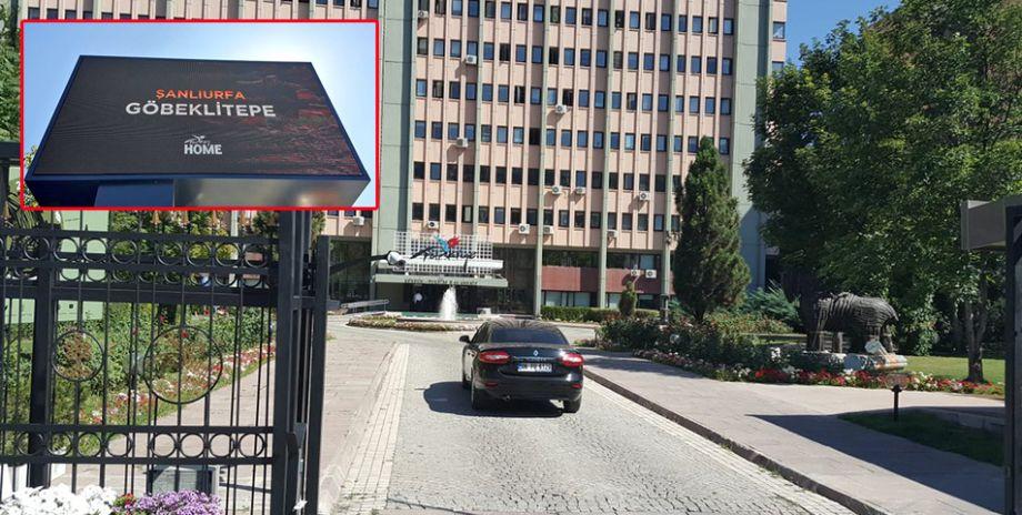 Bakanlık önündeki ekranlarda Göbeklitepe tanıtıldı
