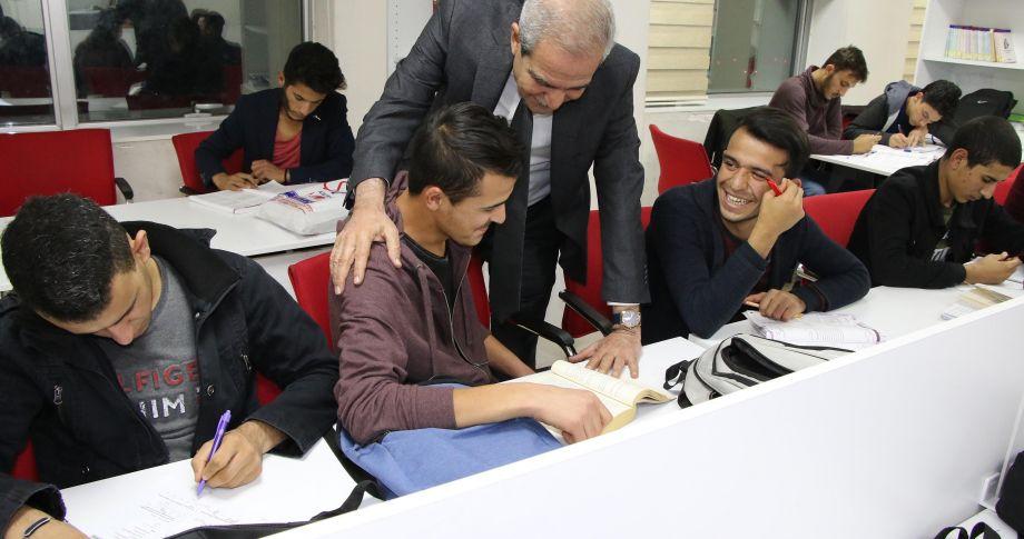 Başkan Demirkol'dan Öğrencilere Gece Ziyareti