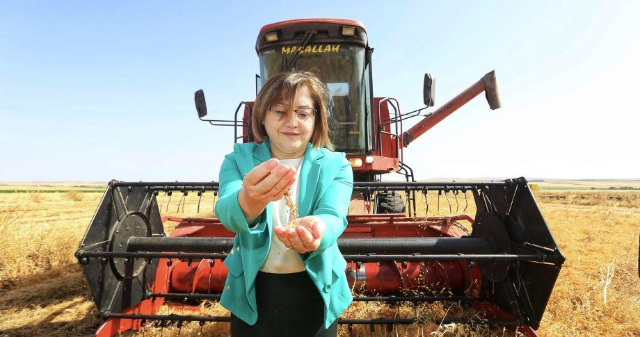 Başkan Şahin: Çiftçinin yüzü gülerse dünyanın da yüzü güler