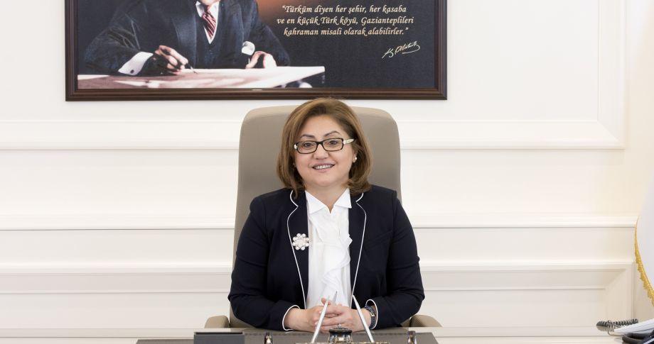 Başkan Şahin'den Belediye personellerine 1000 lira ikramiye!