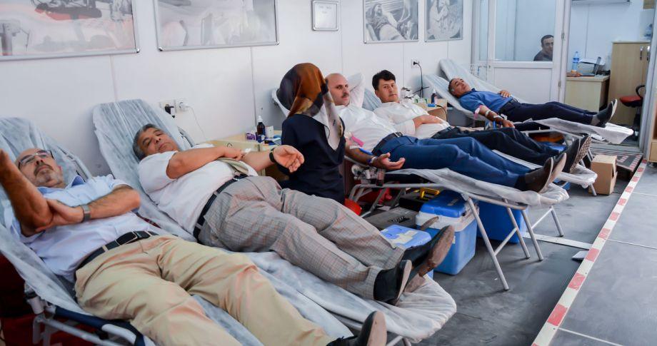 Başkan Vekili Budak ve Meclis Üyeleri Kan Bağışında Bulundu