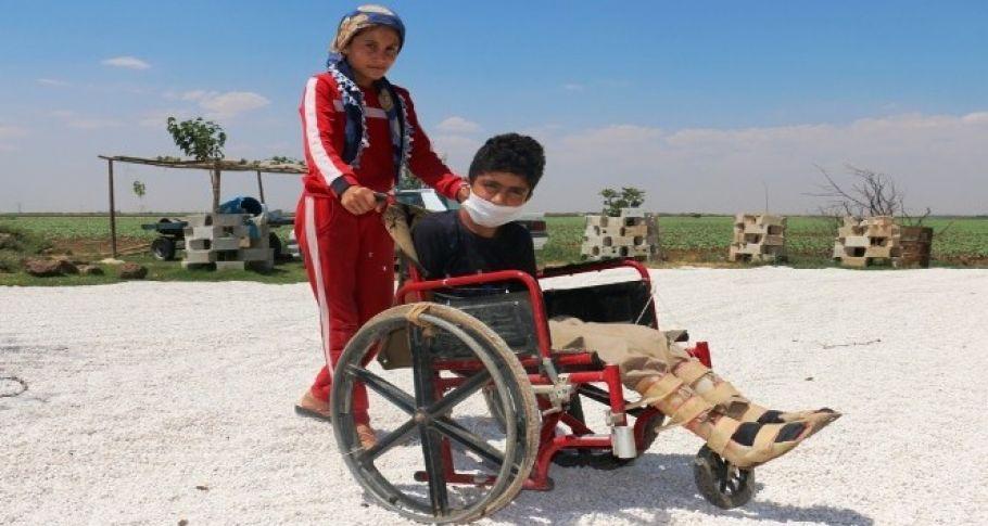 Başkan Yalçınkaya engelli çocuğun yolunu açtı (videolu)