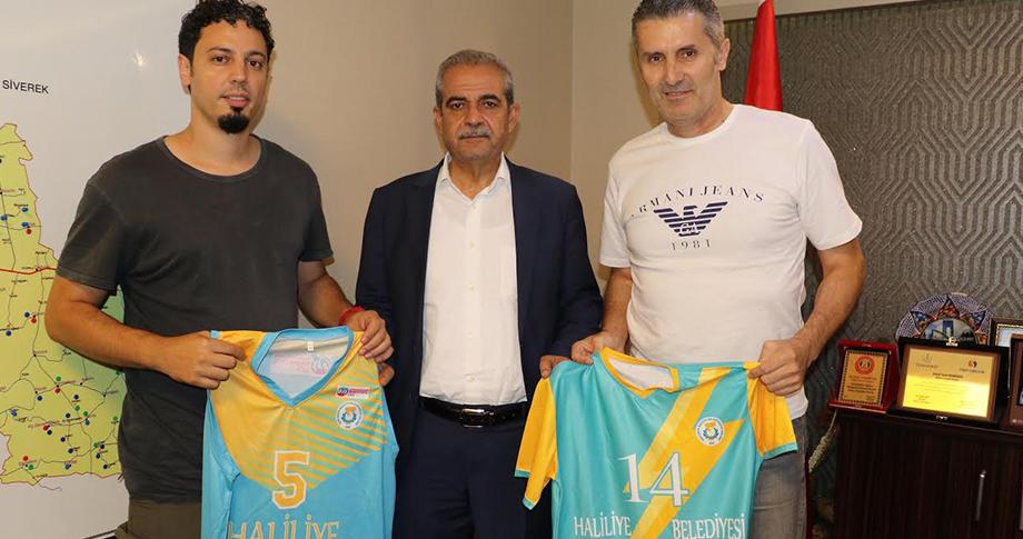 Basketbol ve Voleybol Antrenörleri Demirkol'u ziyaret etti
