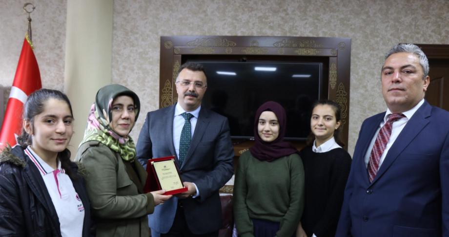 Başsavcı Öztoprak'a eğitime destek teşekkürü