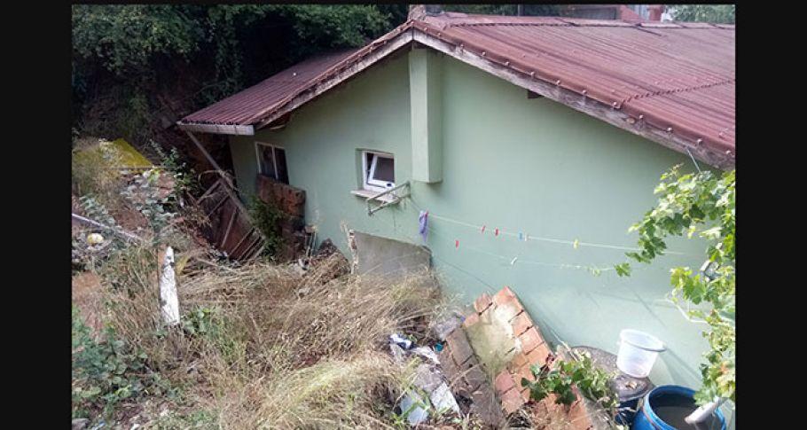 Beykoz'da yağmur sonrası duvar çöktü: 1 ölü, 1 yaralı
