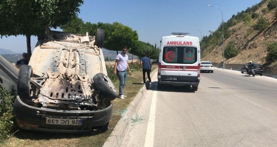 Bilecik'te takla atan aracın sürücüsü yaralandı