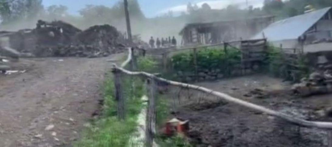 Bingöl'de 5,6 büyüklüğünde deprem! (videolu)
