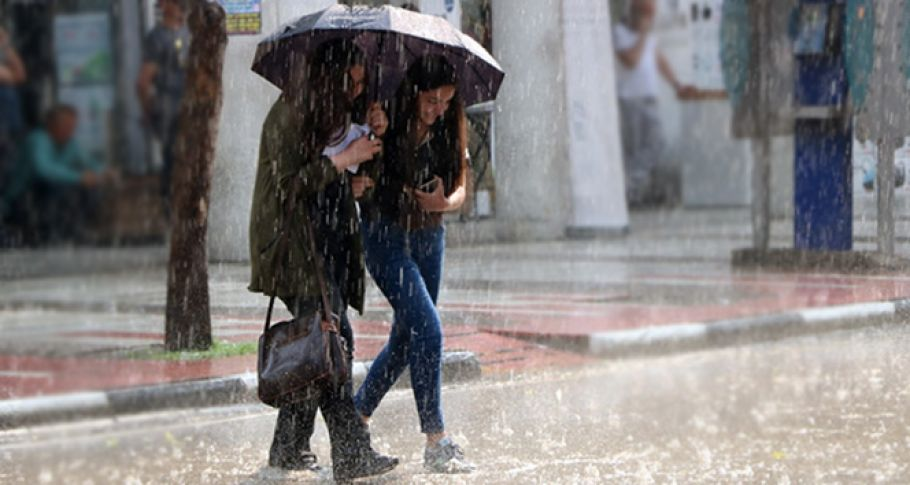 Bu illerde yaşayanlar dikkat! Meteoroloji'den sağanak yağış uyarısı