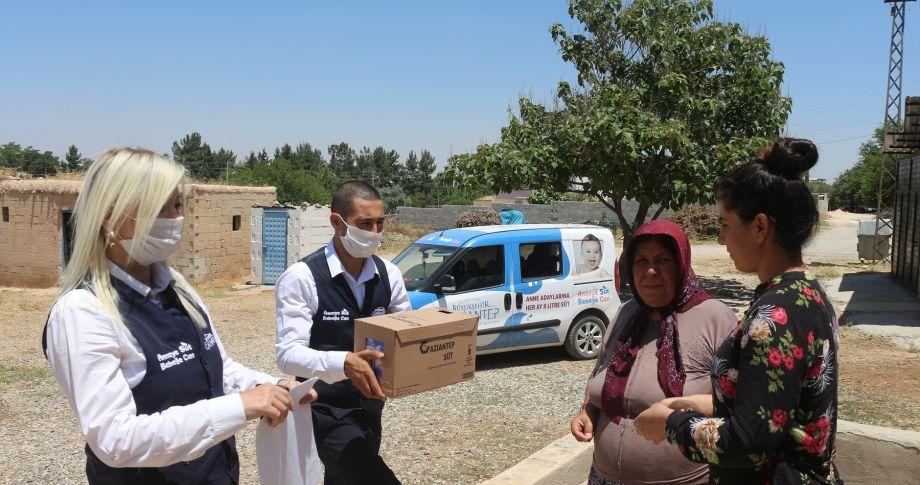 Gaziantep Büyükşehir, anne adaylarına süt dağıttı