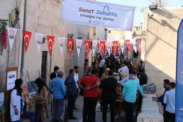 Büyükşehir'in Sanat Sokağı açıldı