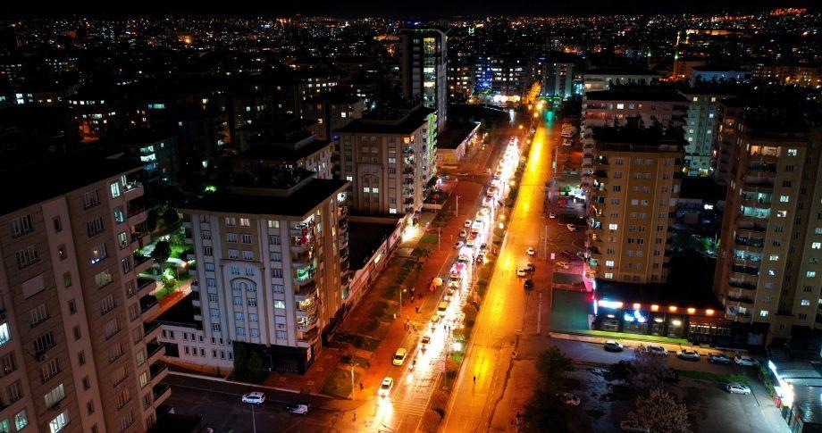 Büyükşehir Konvoyları, 23 Nisan'ı Gazianteplilerle Balkonlarda Kutladı