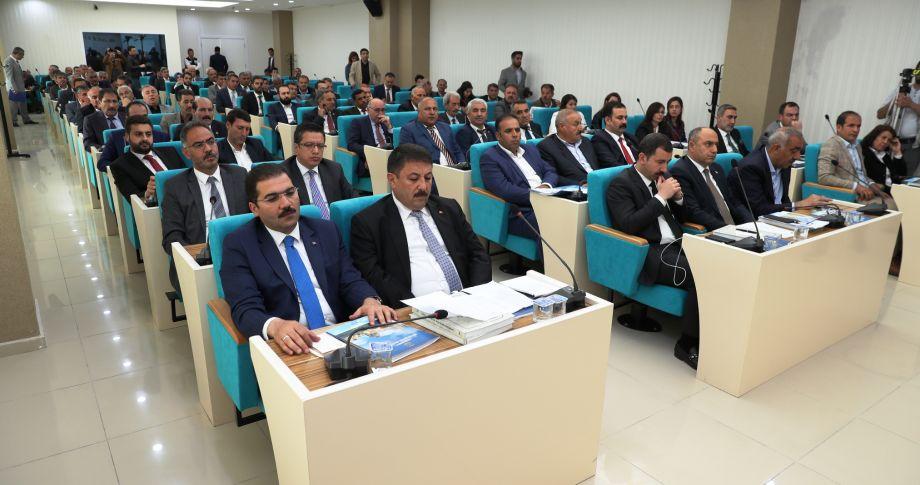 Büyükşehir Meclisi'nde yeni dönem başladı(videolu)