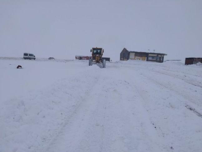 Büyükşehirden kar temizleme çalışmaları