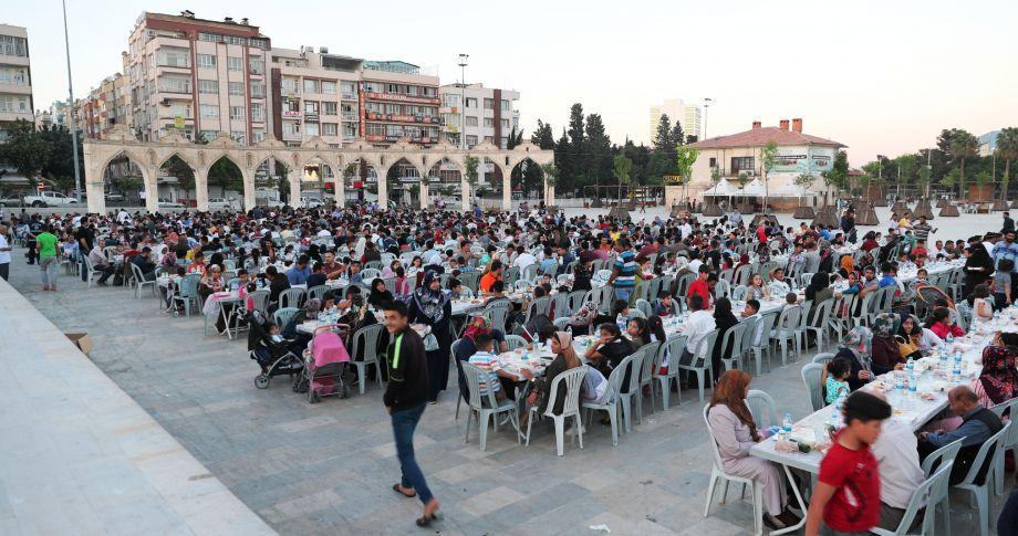 Büyükşehir'den Kardeşlik Sofrası (videolu)