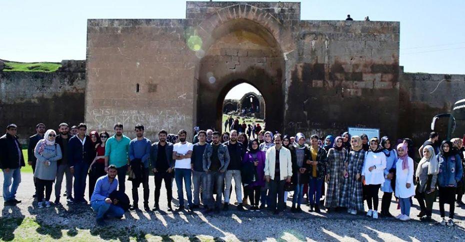 Büyükşehir'den öğrencilere tarih gezisi