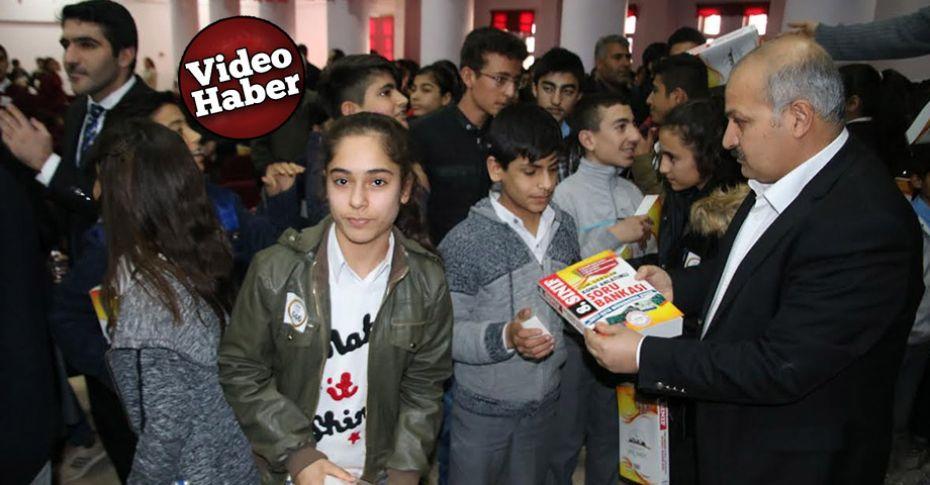 Büyükşehir'den Suruçlu öğrencilere kitap dağıtımı