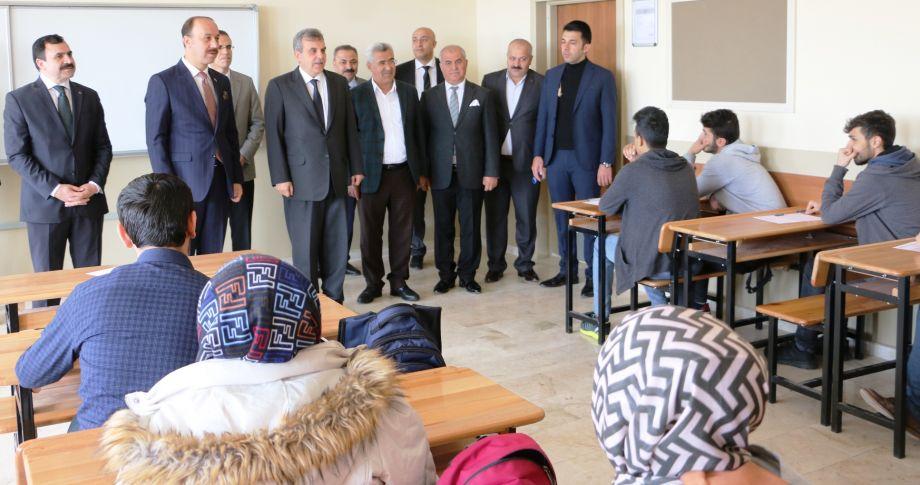 Büyükşehir'den TYT sınavına girecek öğrenciler için deneme sınavı (videolu)