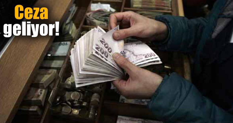 Çalışanlara elden para veren patronlar yandı!