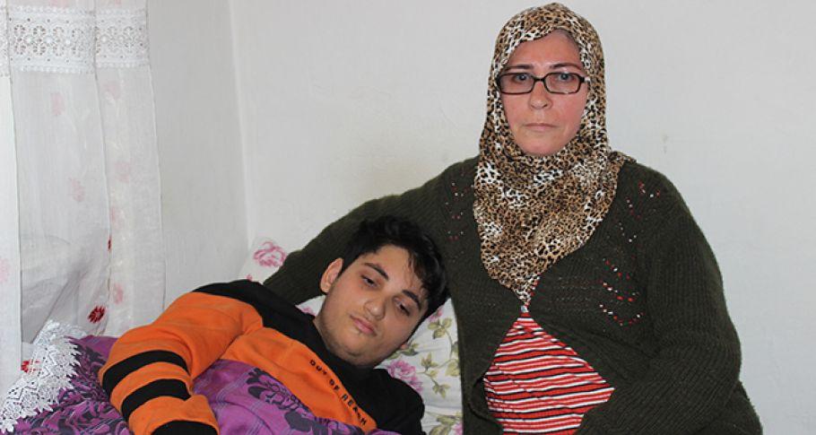 Cam kemik hastası anne ve oğlu seslerinin duyulmasını bekliyor