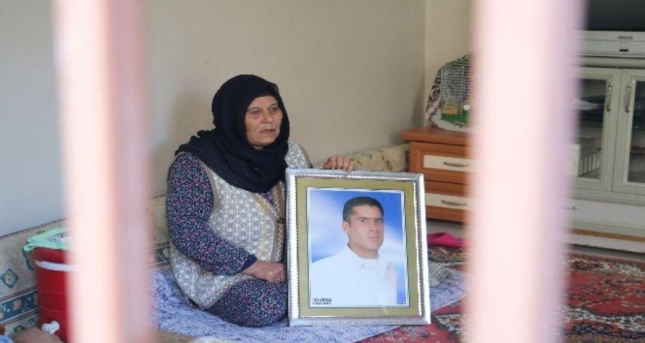 Cezaevindeki iki oğlundan biri ölen kadın yardım istedi