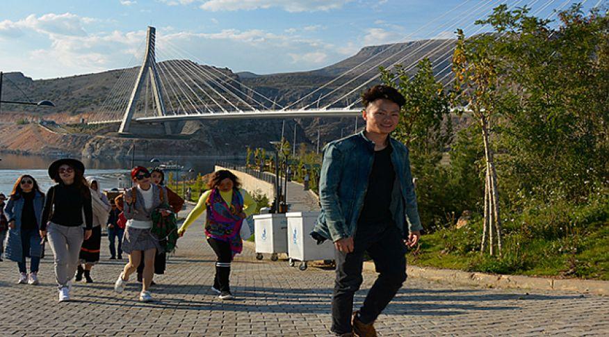Çinli gazeteciler Tokoran Vadisi'ne hayran kaldı