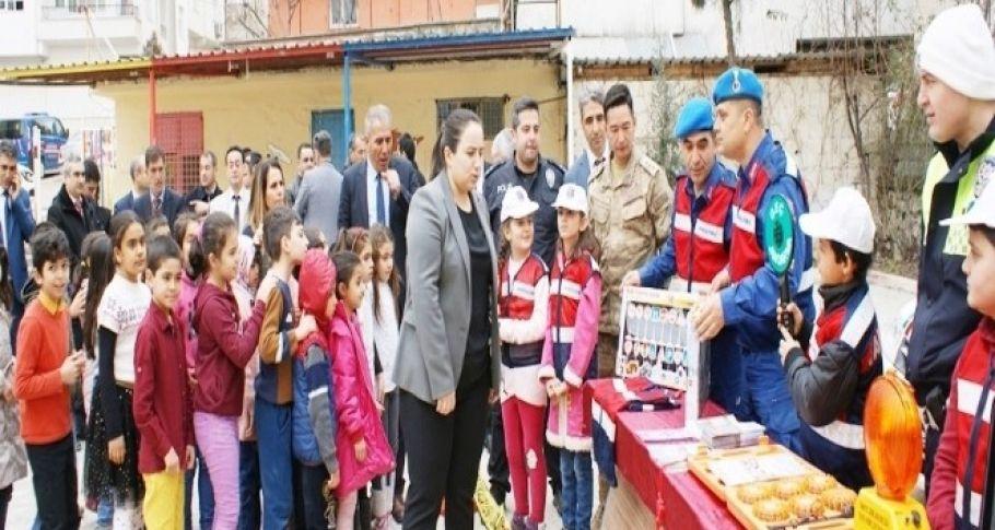 Çocuklar İçin Trafik Eğitimi Projesi İlk Diyarbakır'da Gerçekleştirildi