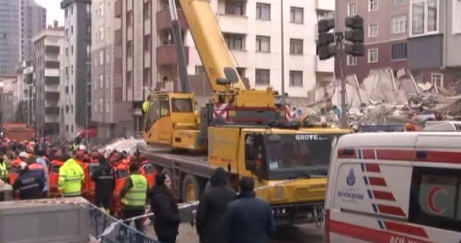 Çöken bina ile ilgili: 3 gözaltı