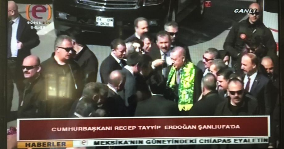 Cumhurbaşkanı Erdoğan miting alanında halka hitap ediyor