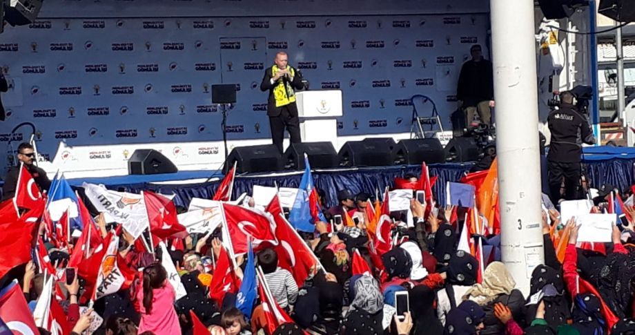 Cumhurbaşkanı erdoğan parti değiştirenlerle ilgili sert konuştu