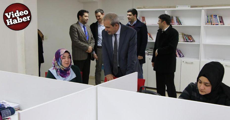 Demirkol, üniversiteye hazırlanan öğrencileri ziyaret etti