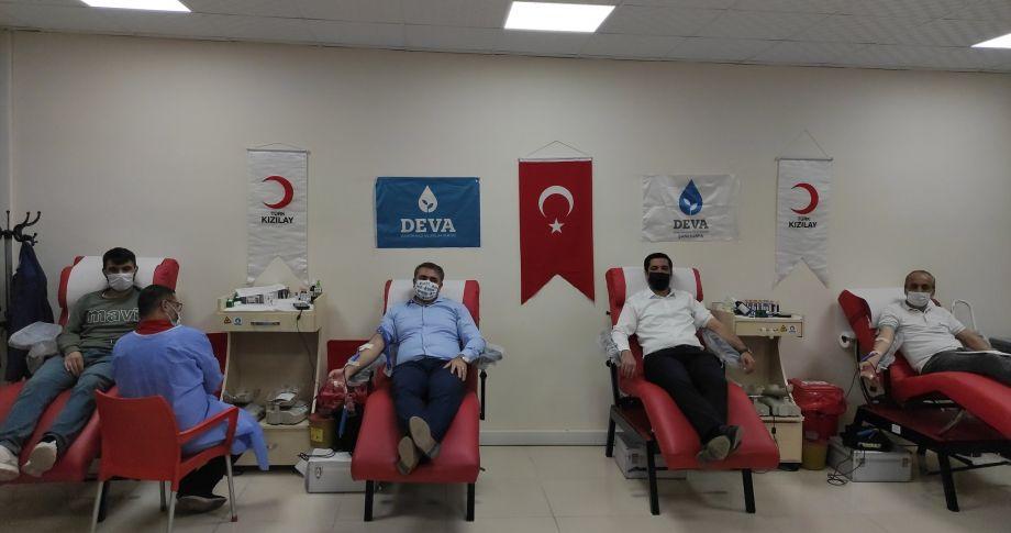 DEVA Partisi kan bağışına devam ediyor