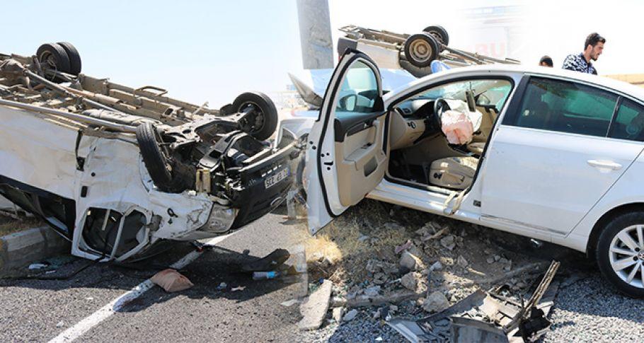 Diyarbakır'da feci kaza: 1'i ağır 2'si çocuk 5 yaralı