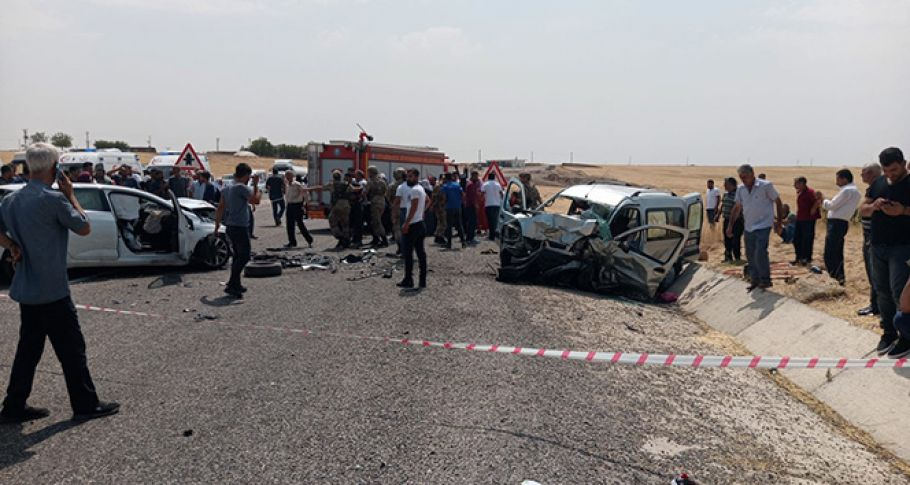 Diyarbakır'da katliam gibi kaza: 4 ölü, 4'ü ağır 8 yaralı